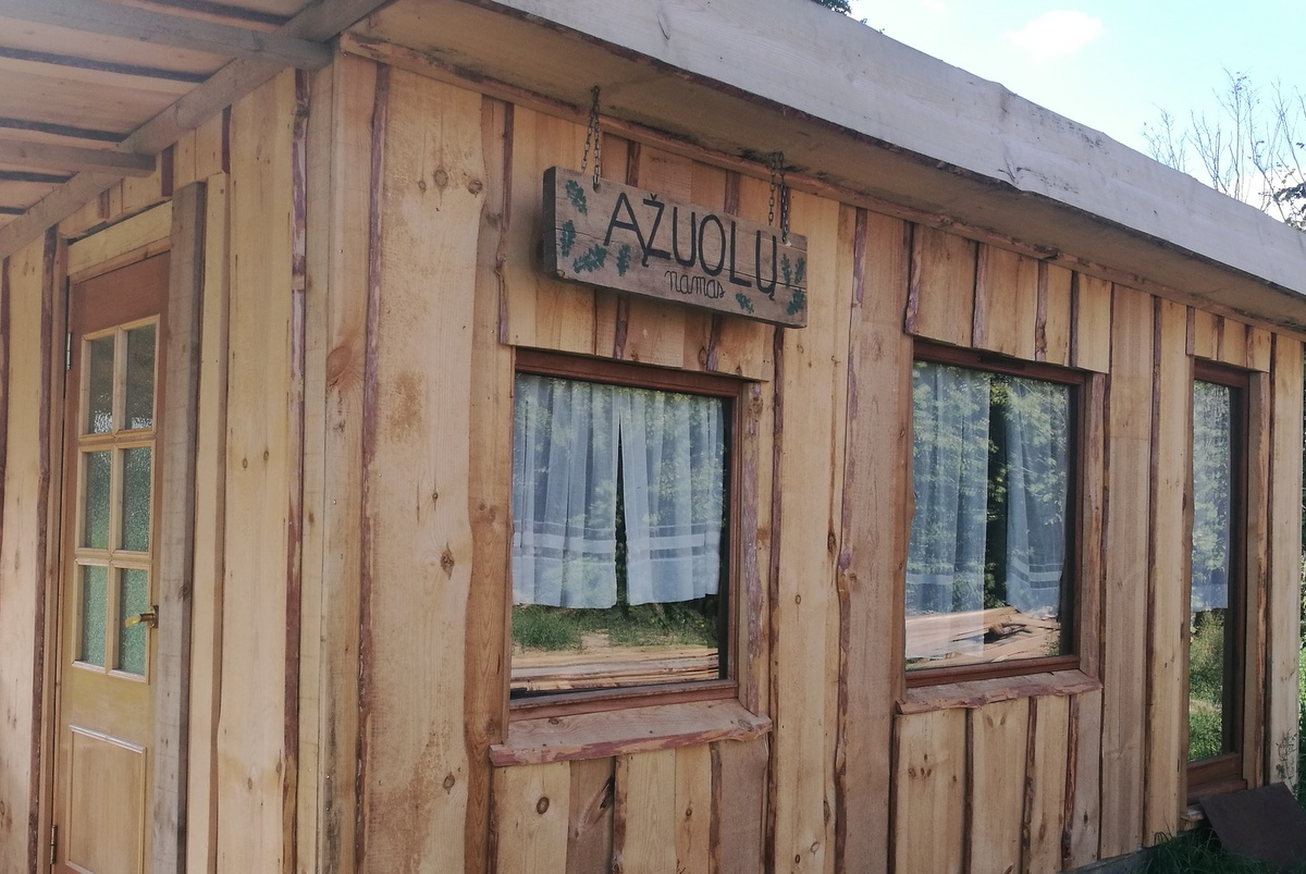 Stovyklavietė Gervių lizdas. Ąžuolų namas