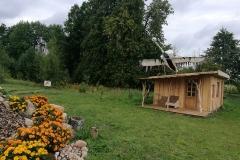 Stovyklavietė Gervių lizdas. Ąžuolų namas ir Gaia kalnelis