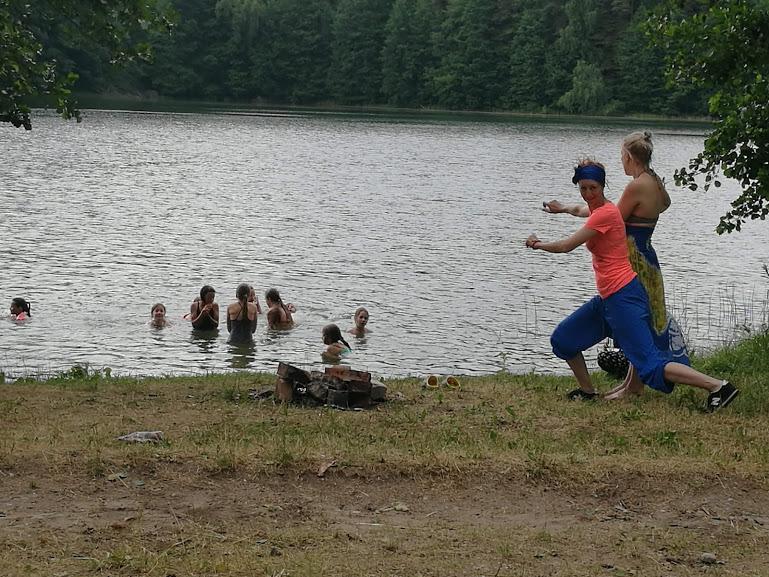 Gervinių stovykla. Mergaičių pamaina. 2018. Piknikas prie Trakežerio