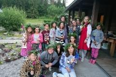 Gervinių stovykla. Mergaičių pamaina. 2018. Pasiruošę Joninių nakčiai